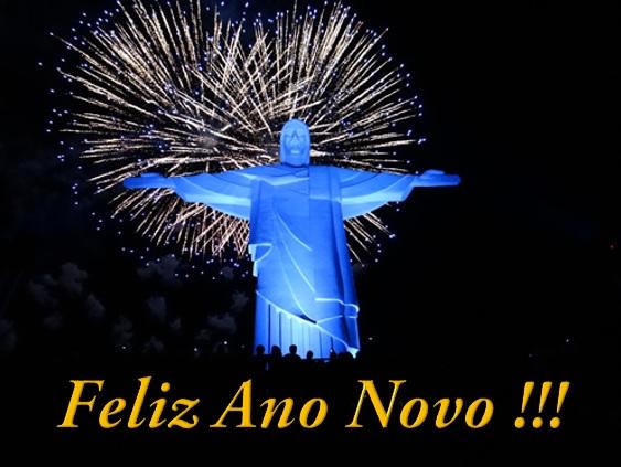 Iluminacao-do-Cristo-Redentor-de-Muriae-inaugurada-com-fogos